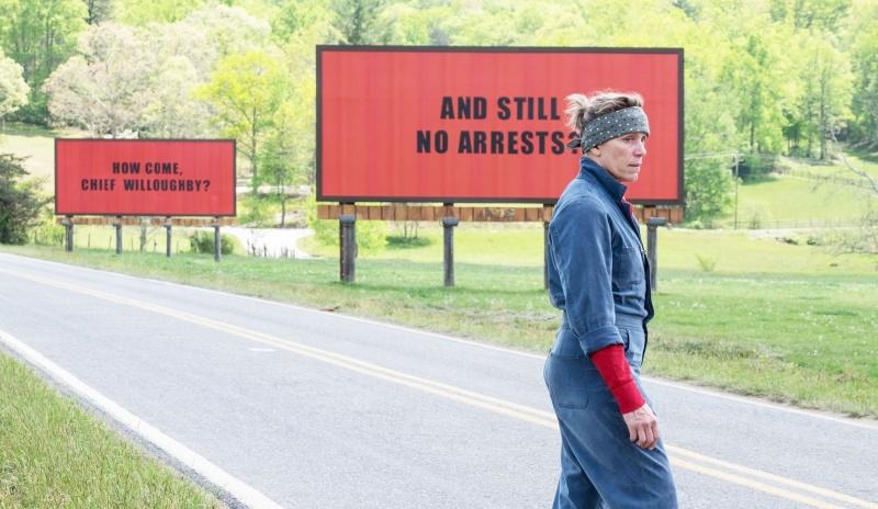 """Kadr z filmu """"Trzy billboardy za Ebbing, Missouri"""" (źródło: materiały prasowe)"""