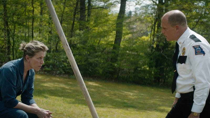 """Kadr z filmu """"Trzy billboardy za Ebbing, Missouri"""" (źródło: youtube.com)"""