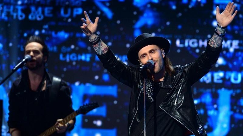 """Gromee i Lukas Meijer z piosenką """"Light Me Up"""" zwyciężyli preselekcje w naszym kraju i będą go reprezentować na Eurowizji 2018 (źródło zdjęcia: youtube.com/screenshot)"""