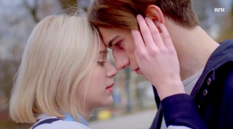 """Noora i William (kadr z serialu """"Skam""""; źródło: youtube.com)"""