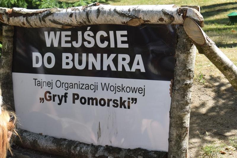 Szymbark - wejście do bunkra (fot. PJ)