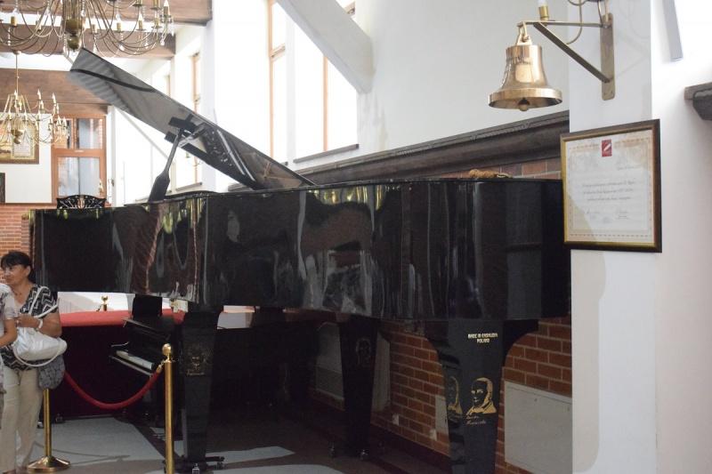Szymbark -  Największy Koncertujący Fortepian (fot. PJ)