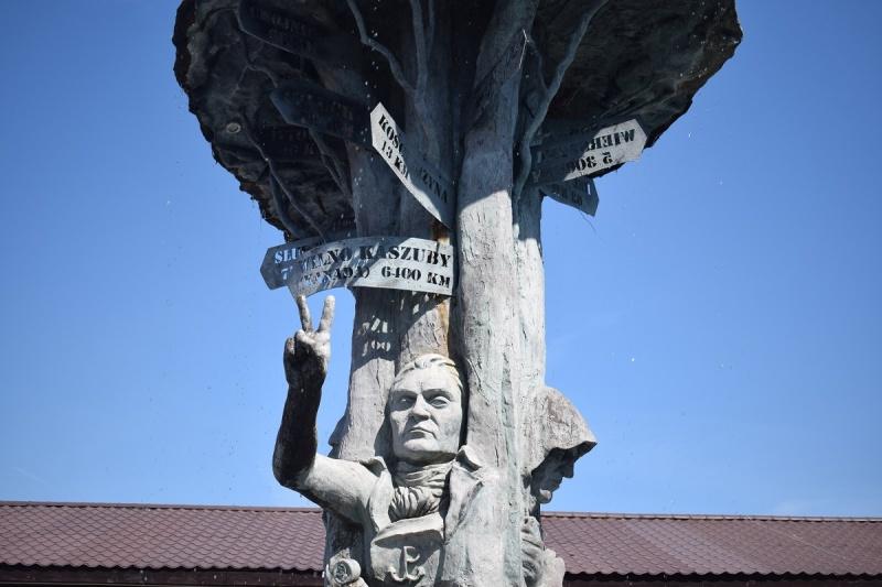 Szymbark - Statua Świętowida Kaszubskiego (fot. PJ)