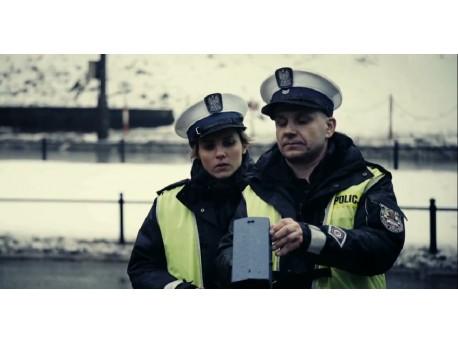 """Kadr z filmu """"Drogówka"""" (źródło: youtube.com)"""