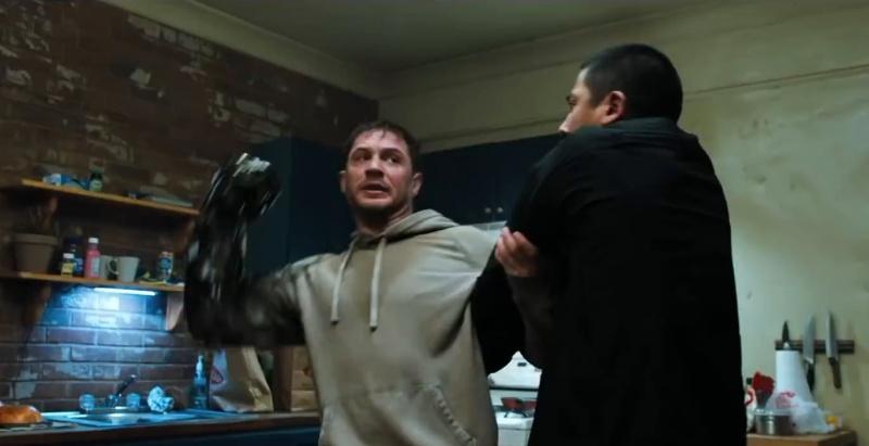 """Kadr z filmu """"Venom"""" (źródło: materiały prasowe)"""