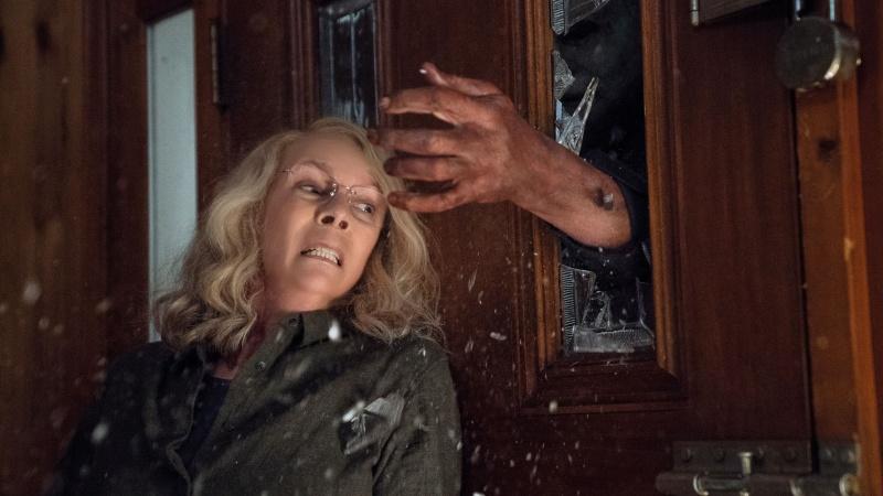 """Kadr z filmu """"Halloween"""" (źródło: materiały prasowe)"""