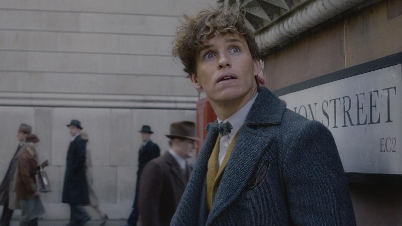 """Kadr z filmu """"Fantastyczne zwierzęta: Zbrodnie Grindelwalda"""" (źródło: materiały prasowe)"""