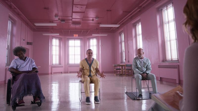"""Kadr z filmu """"Glass"""" (źródło: materiały prasowe)"""