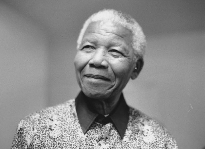 Nelson Mandela (źródło: wikimedia.org)