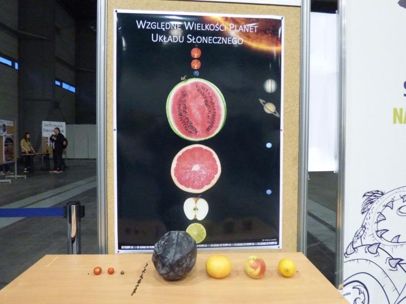 Pyrkon 2019 - Jesteśmy tylko małym pomidorkiem w wielkim wszechświecie (fot. Małgosia Morawska)