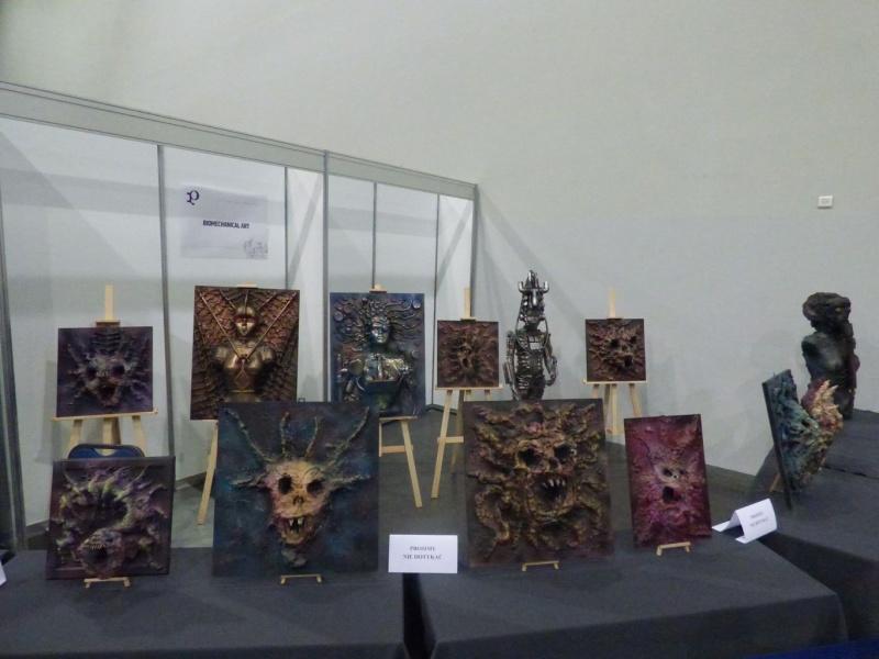 Pyrkon 2019 -  Uwaga, oto przed państwem Biomechanical Art. Przerażające i strasznie ciekawe ;) (fot. Małgosia Morawska)