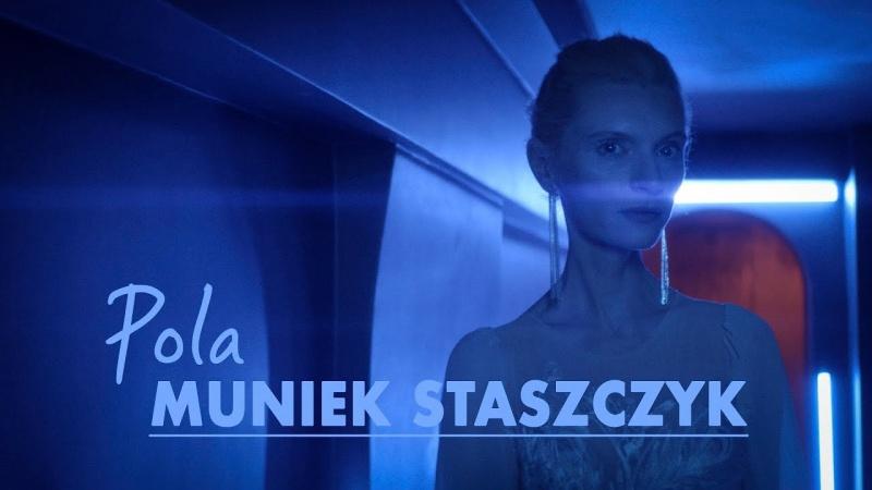 """Kadr z teledysku do singla pt. """"Pola"""" (źródło: youtube.com/screenshot)"""