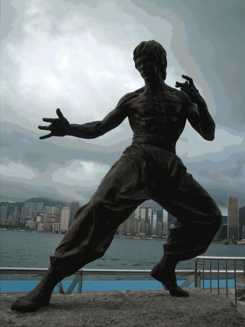 Pomnik w Hongkongu (źródło: wikimedia.org)