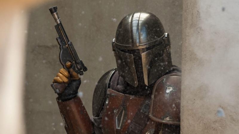 """Kadr z serialu """"The Mandalorian"""" (źródło: materiały prasowe/StarWars.com)"""