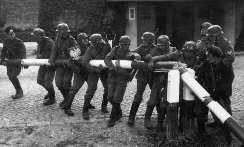 Wehrmacht przekracza granicę z Polską (źródło: wikimedia.org)