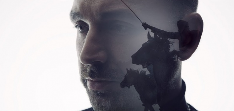 """Kadr z teledysku do piosenki """"Legiony"""" (YouTube.com)"""
