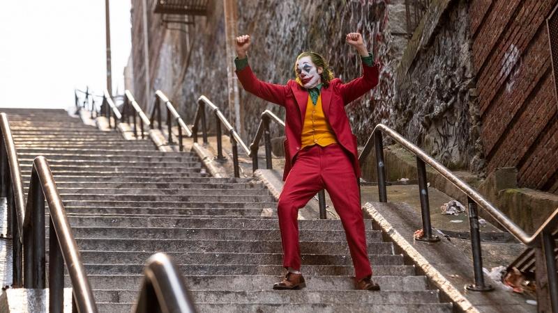 """Kadr z filmu """"Joker"""" (źródło: materiały prasowe)"""