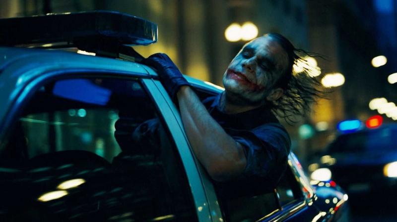 Heath Ledger jako Joker (źródło: materiały prasowe)