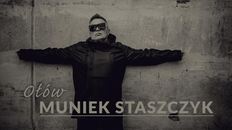 """Muniek Staszczyk i singiel """"Ołów"""" (źródło: youtube.com/screenshot)"""