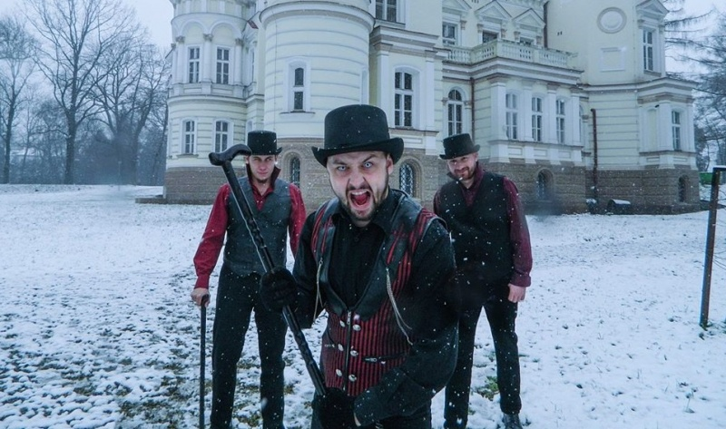 Hrabia - w tle Pałac Lubomirskich (źródło: Facebook/archiwum prywatne)