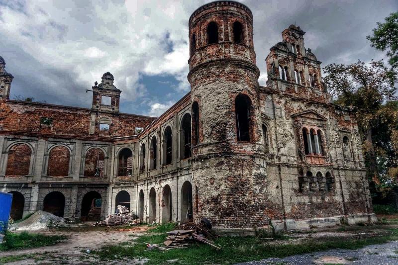 Tworków - ruiny pałacu (fot. Grafy w podróży)