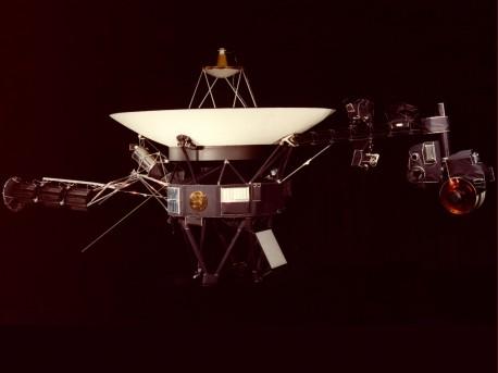 Sondy kosmiczne Voyager i Pioneer najdalej od Ziemi - sondy;sonda;ziemia;kosmiczne;saturn;planeta;zdjęcia;słońce;prędkość;voyager;pioneer;jaka sonda najdalej od ziemi;układ słoneczny;szybka sonda