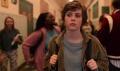 """""""To nie jest OK"""" – Problemy nastoletniej introwertyczki - To nie jest Ok;Jonathan Entwistle;serial;siedem odcinków;krótki;Netflix;przygodowy;młodzieżowy;obyczajowy;supermoce;dojrzewanie;problemy;seksualność;Sydney;nastolatka;introwertyczka;zagubiona;Stanley;inność;Sophia Lillis;przyjemny;uniwersalny;schematyczny"""