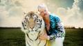 """""""Król tygrysów"""" – Szalony Joe i jego kociaki - recenzja;Król tygrysów;serial dokumentalny;dokument;Netflix;fenomen;Joe Exotic;Carol Baskin;napięcie;klimat;szalony;fascynujący;szokujący;celebryta;freak;show;Fargo;Ameryka;zoo;tygrysy;hodowla;USA;południe;Oklahoma"""