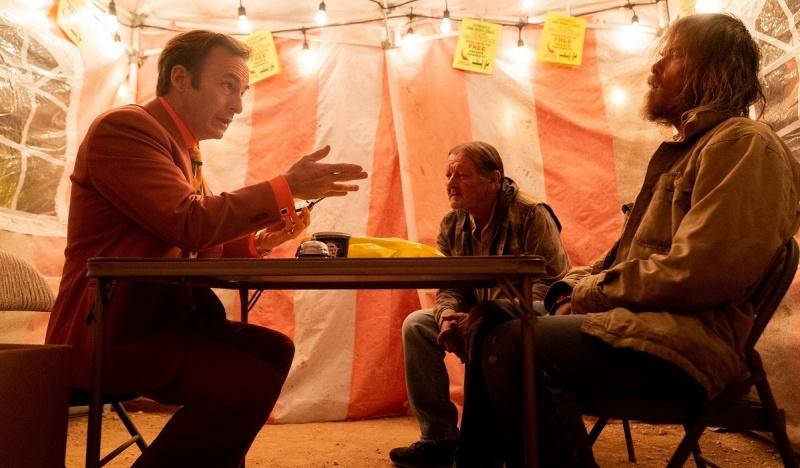 """Kadr z serialu """"Better Call Saul: sezon 5"""" (źródło: materiały prasowe)"""