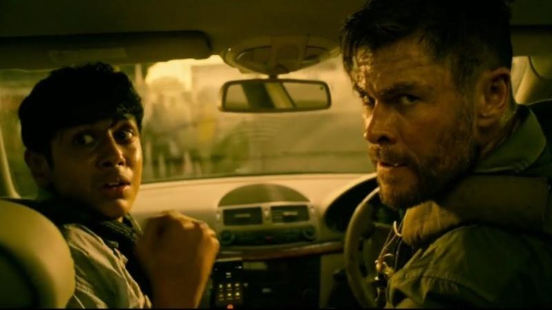 """Kadr z filmu """"Tyle Rake: Ocalenie"""" (źródło: materiały prasowe/Netflix)"""