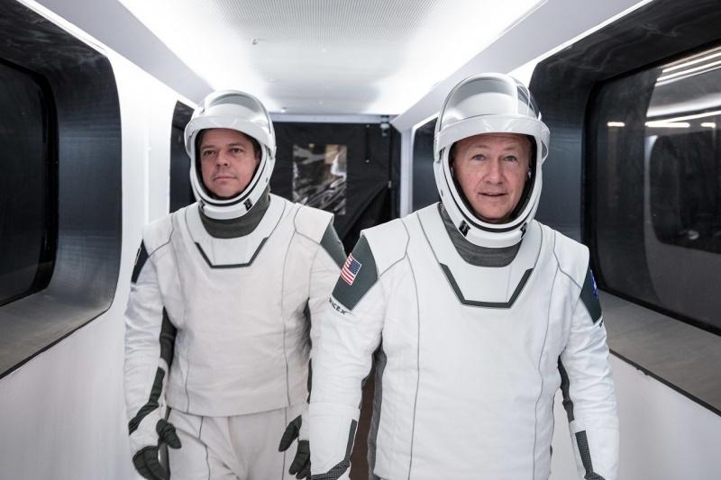 Astronauci Robert Behnken i Douglas Hurley (źródło: NASA.gov)