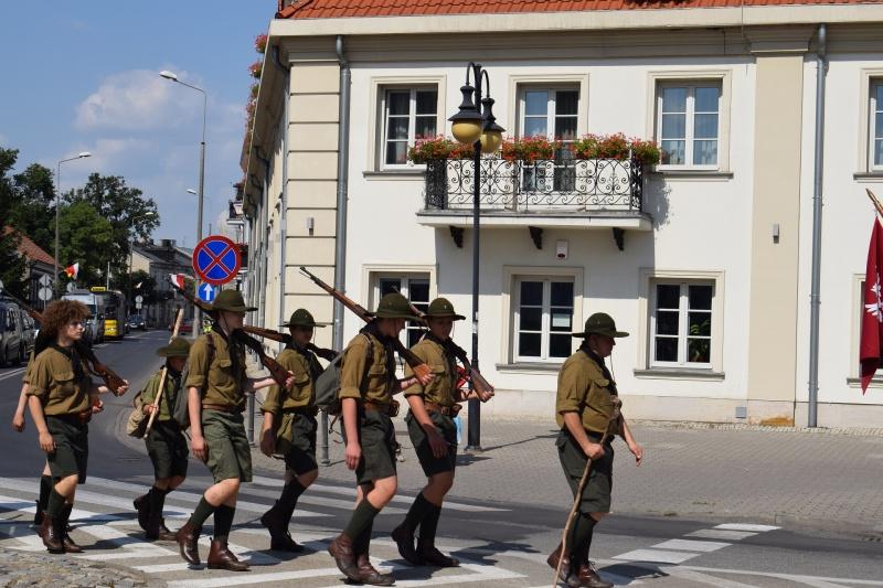 """100. rocznica """"Cudu nad Wisłą"""" we Włocławku - przemarsz (fot. PJ)"""