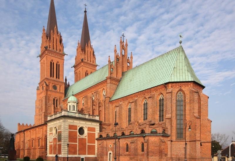 Katedra Rzymskokatolicka Pw. Wniebowzięcia Najświętszej Marii Panny (wikimedia.org)