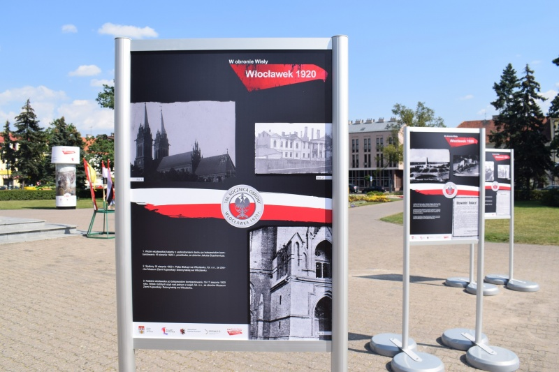 """100. rocznica """"Cudu nad Wisłą"""" we Włocławku - wystawy (fot. PJ)"""