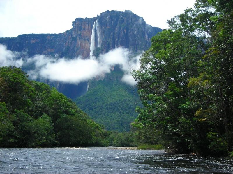 Wodospad Salto Angel (źródło: wikimedia.org)
