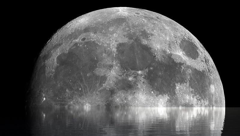 Ilustracja: Księżyc i woda (źródło: pixabay.com)