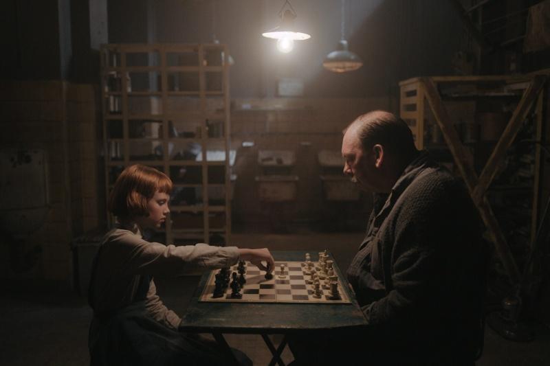 """Kadr z serialu """"Gambit królowej"""" (źródło: materiały prasowe/Netflix)"""