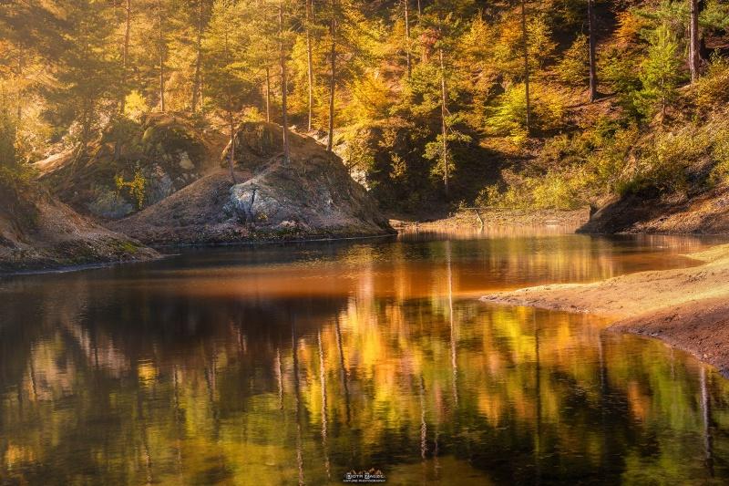 Barwna jesień na Kolorowych Jeziorkach w Rudawach Janowickich (fot. PZ)