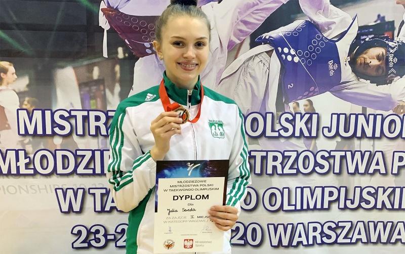 Julia Sereda z medalem (fot. materiały promocyjne/www.juliasereda.com)