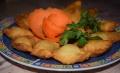 Czebureki – smażone pierogi z mięsem wieprzowym! - czebureki;smażone pierogi;głęboki tłuszcz;złoty kolor;farsz;mięso wieprzowe;tradycyjne danie Tatarów;Krym;Ukraina;smaczne;pierogi