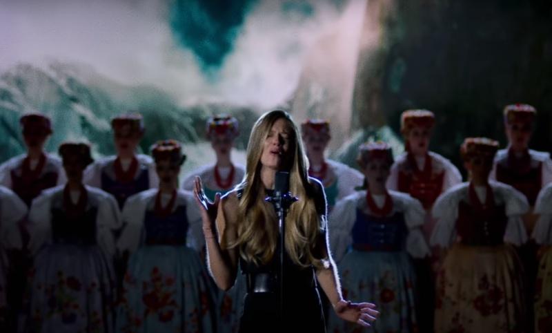 """Kadr z teledysku do utworu """"Celina"""" (źródło: youtube.com/screenshot)"""