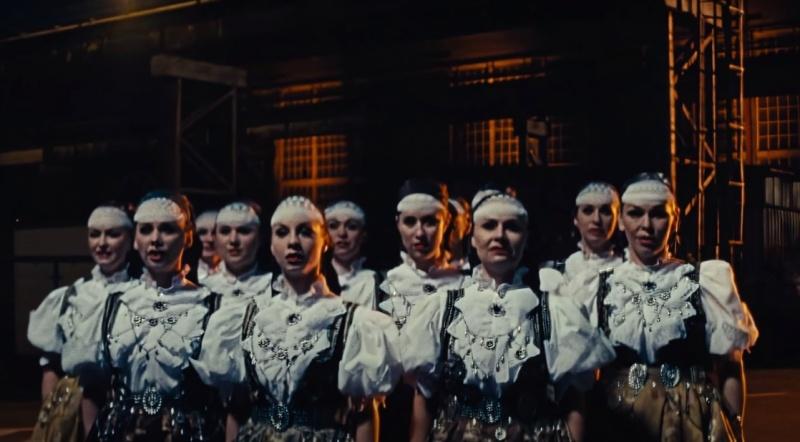 """Kadr z teledysku do utworu """"Doliny"""" (źródło: youtube.com/screenshot)"""