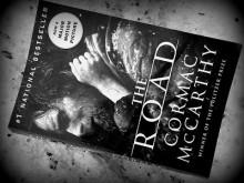 Wędrówka przez zgliszcza - McCarthy;książka;powieść;post-apokalipsa;nadzieja;Droga;recenzja