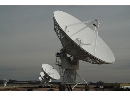 Obserwacje nieba - szukanie obcych cywilizacji - niebo;cywilizacja;obcy;obserwacje;gwiazdy;świetlnych;szukanie;radioteleskopy