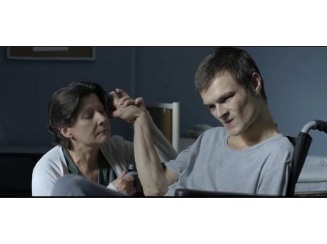 """Kadr z filmu """"Chce się żyć"""" (źródło: youtube.com)"""