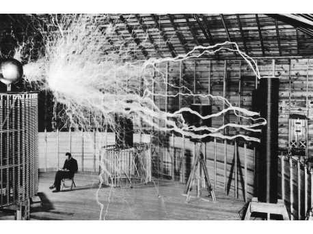Laboratorium Tesli, na zdjęciu widoczny transformator Tesli