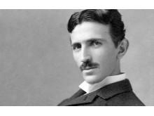 Nikola Tesla – geniusz wyprzedzający swoją epokę - tesla;nikola;prąd;edison;silnik;geniusz;żarówka;wehikuł czasu;energia;samochód elektryczny;