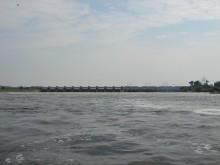 Widok na tamę we Włocławku od strony wody dolnej Wisły