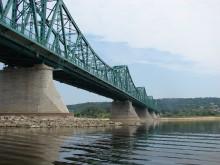 Na zdjęciu widoczny stary most stalowy we Włocławku im. gen Rydza Śmigłego