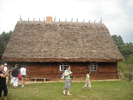 Najstarsza chałupa we wsi (rok 1760)